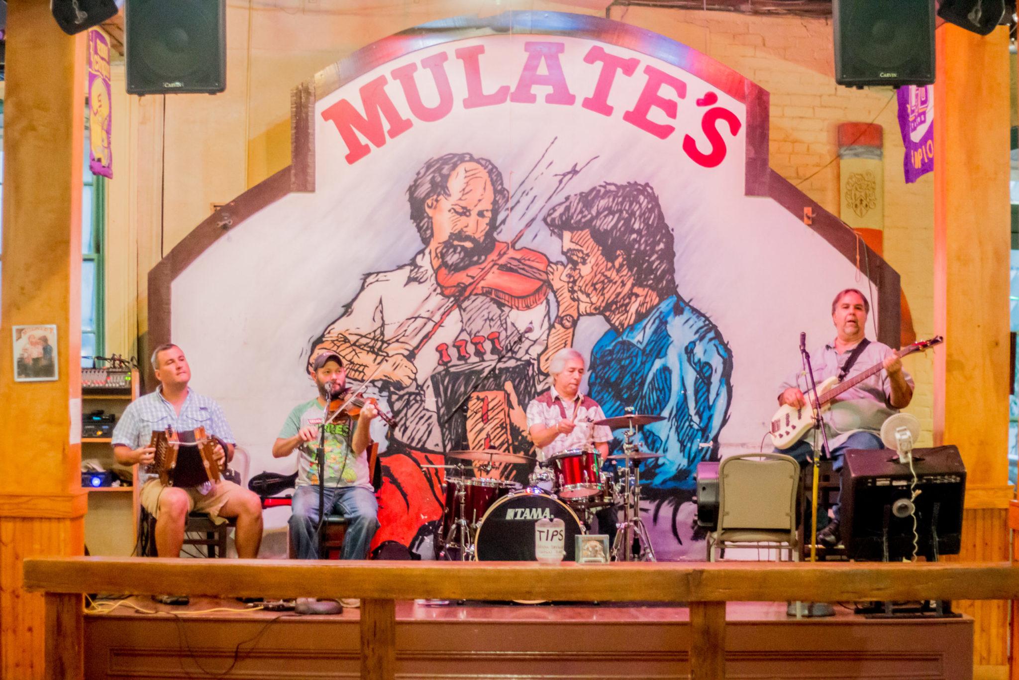 Mulates